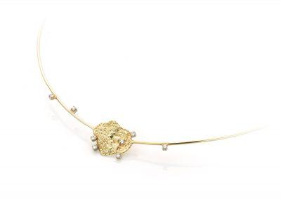 Geelgouden collier met diamant